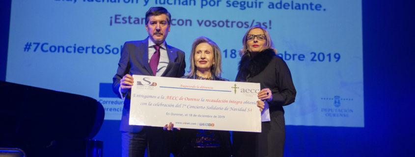 Entrega del cheque solidario