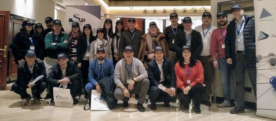El equipo comercial en la Convención S4